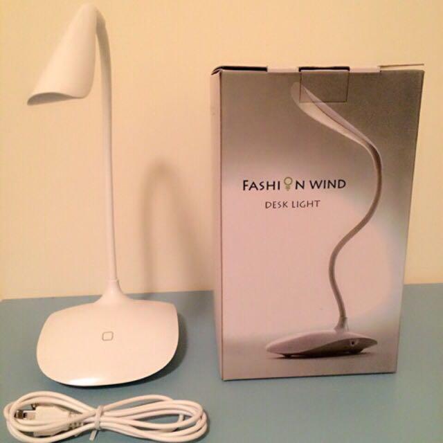 Magic Light時尚USB LED檯燈(不含運)