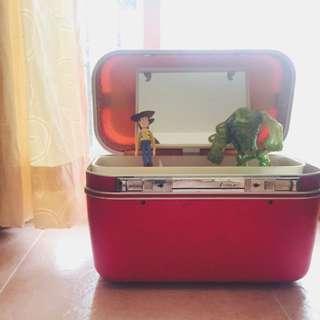 紅色手提化妝箱