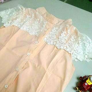 襯衫立領蕾絲肩上衣-櫻花氣質粉