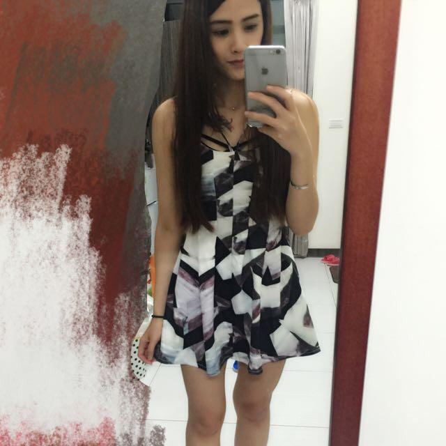 水彩花紋洋裝