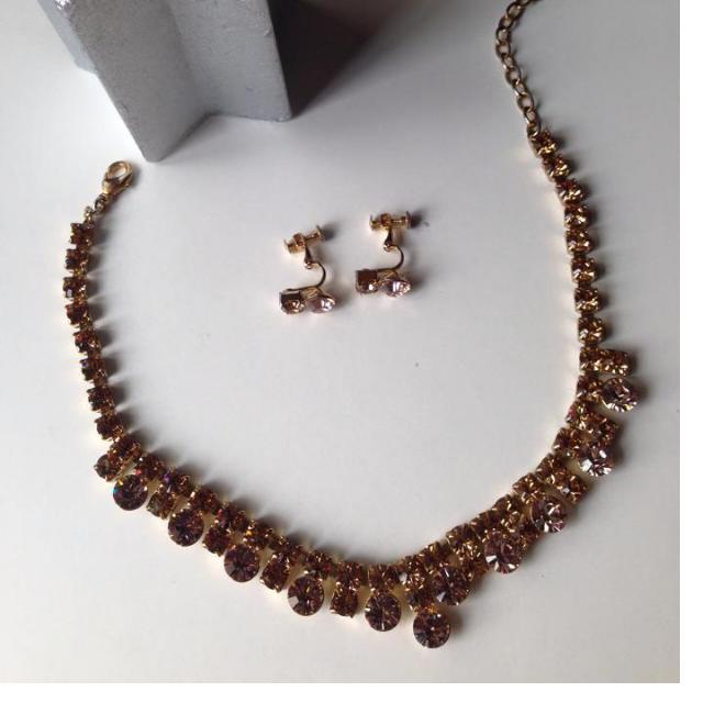 琥珀色優雅鑲鑽項鍊+耳環(夾式)