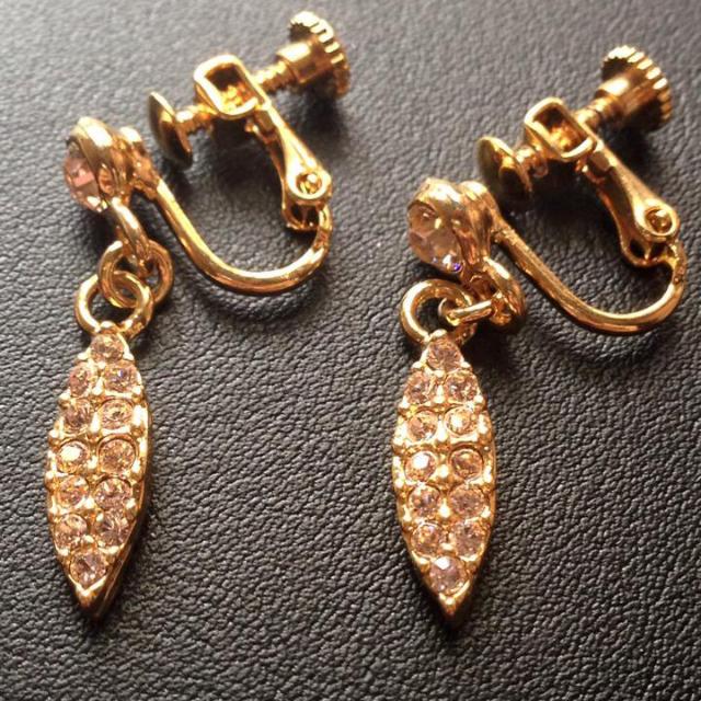金色優雅葉子耳環(夾式)
