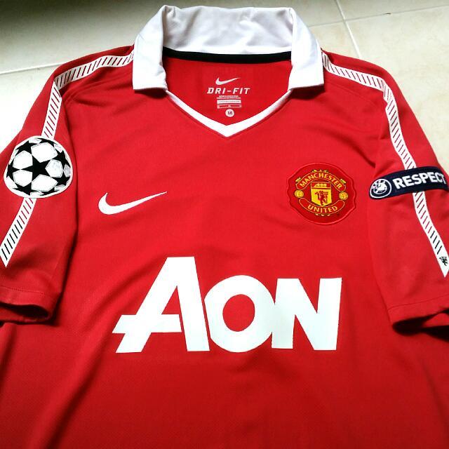 official photos e3197 bda1c Manchester United 2010-11 Champions' League home kit (not ...