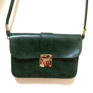 保留-(9成新) Starmimi 墨綠色金釦側背小方包