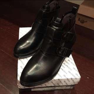 全新韓版靴  23.5