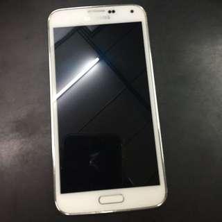 Samsung Galaxy S5 32g 送一個皮套 手機保護殼 外觀都有包膜 使用一定有痕跡 完美主義者請不要下標