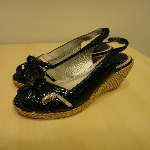 日本 Keeley Ann 楔形鞋(黑)
