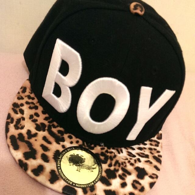 Boy黑色豹紋帽子