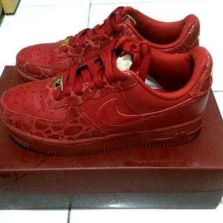 (保留)近全新 Nike WMNS AIR FORCE 情人節限定款 紅色大理石紋US6.5/23.5CM