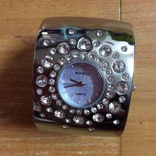 KlMl0手錶