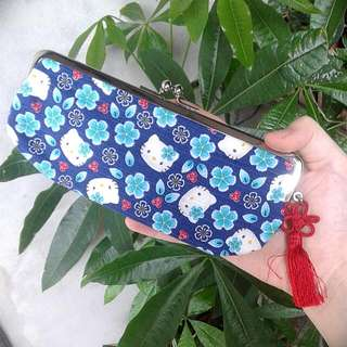 (全新)日本製 三麗鷗Hello Kitty銀口長夾/筆袋
