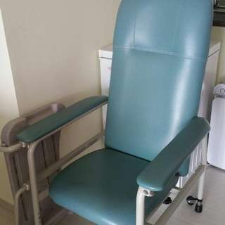 Hospital Chair With Foldable Table