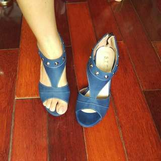 鉚釘楔形鞋