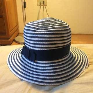 藍條紋草帽
