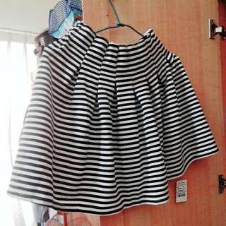 全新❇✨橫條紋短裙