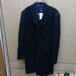 黑色西裝長外套