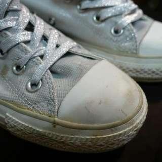 Converse 銀色帆布鞋