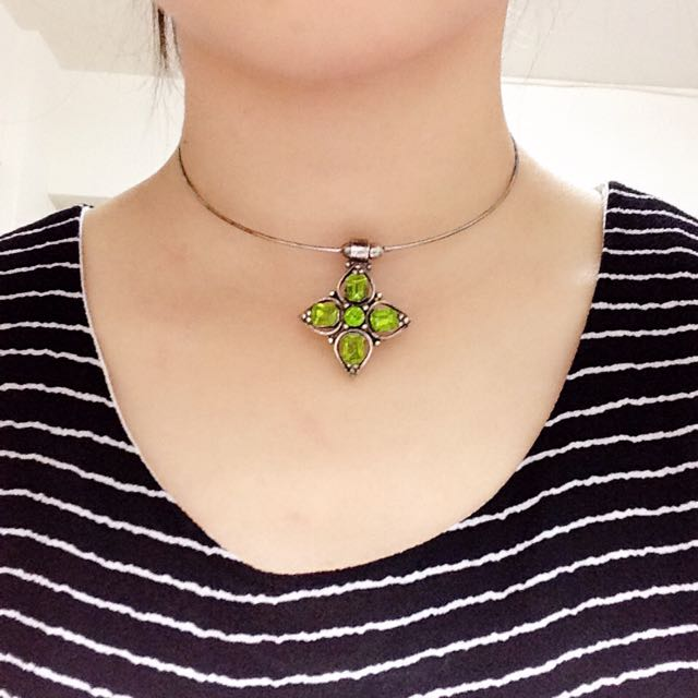 [降]祖母綠鑽石頸環