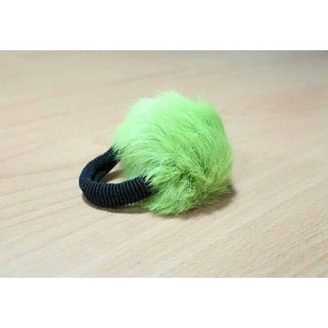 綠色 毛球髮飾