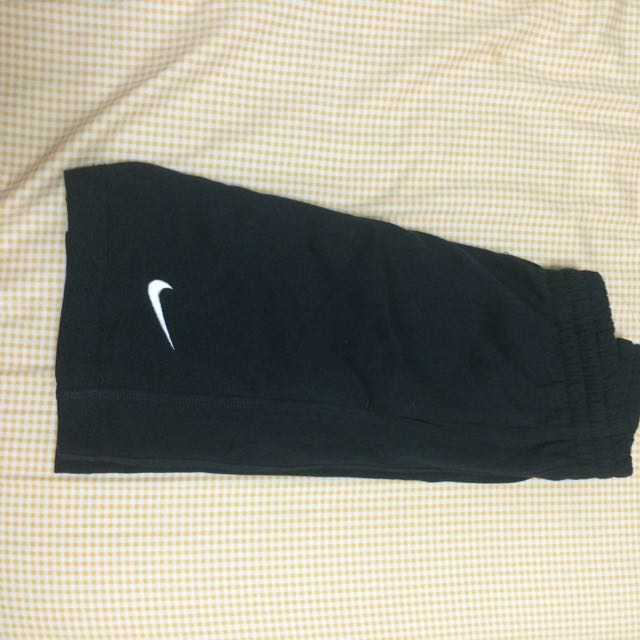 Nike五分褲灰黑兩色(黑色已售出)