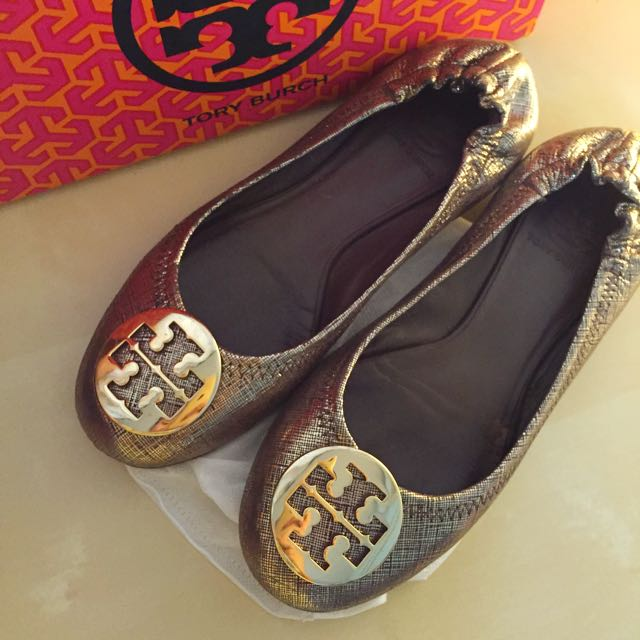 100% AUTHENTIC TORY BURCH REVA FLAT SHOES IN GOLD