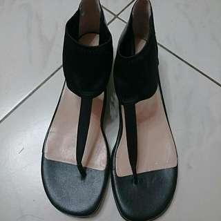 全新!美國知名品牌Taryn Rose黑色復古古典時尚優雅涼鞋羅馬鞋TR夾腳 Zara Forever H&M Uniqlo Hunter vivienne Westwood 名牌