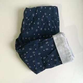 Patterned leggings / pants