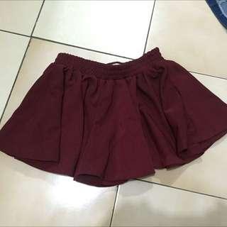 深紅搭配短裙