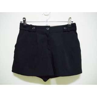 SHIN 星 黑色西裝料短褲 全新