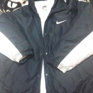 Nike 黑白連帽