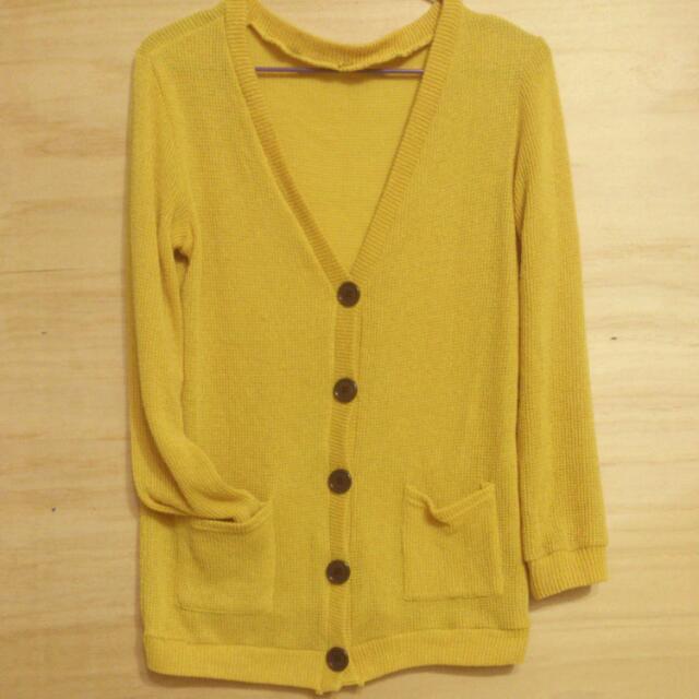 芥黃色針織外套