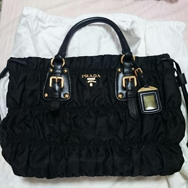d0cb1aa17a7c ... italy prada bn1788 tessuto gaufre nero black tote bag womens fashion on  carousell e89ac 9297b