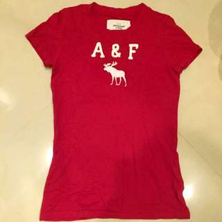 A&F  XS 大紅色棉T