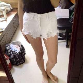 白色破高腰短褲