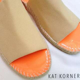 Lobna Sandal In Creme And Carrot