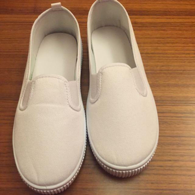 全新小白鞋38號