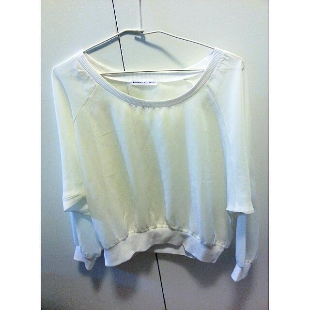 薄透氣質白上衣