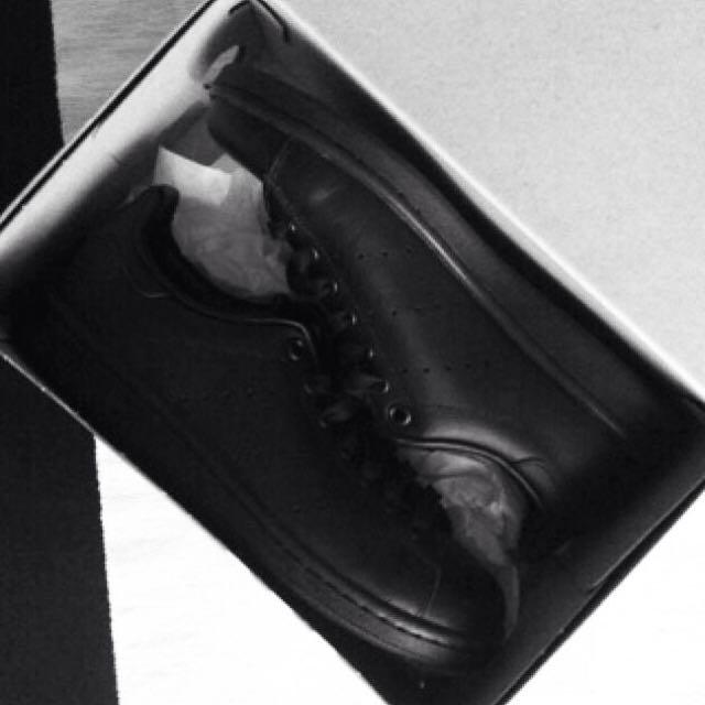 國外搶購ㄧ空🏃🏽 Adidas Stan Smith All Black 全黑正夯🔥