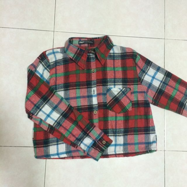 024db90a4ce Checkered Long Sleeve Crop Top, Women's Fashion on Carousell