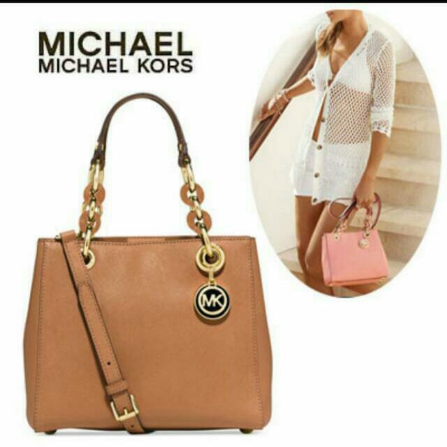 b0f189e646c7 Michael Kors 2-way bag Cynthia Small Leather Satchel (Peanut Gold)