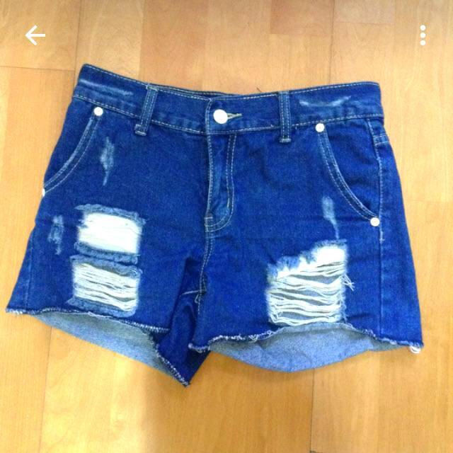 全新✨深藍破損牛仔短褲✨S號