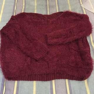 酒紅色短版毛毛上衣