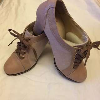 粗跟裸色短靴(全新但有些許瑕疵但不影響喔)