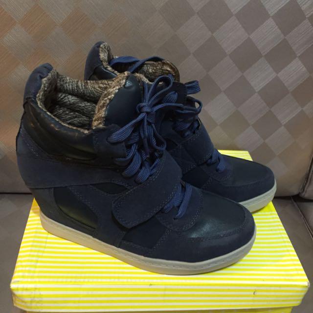 過年清倉~內刷毛拼接皮革內增高平底休閒鞋—藍色37號