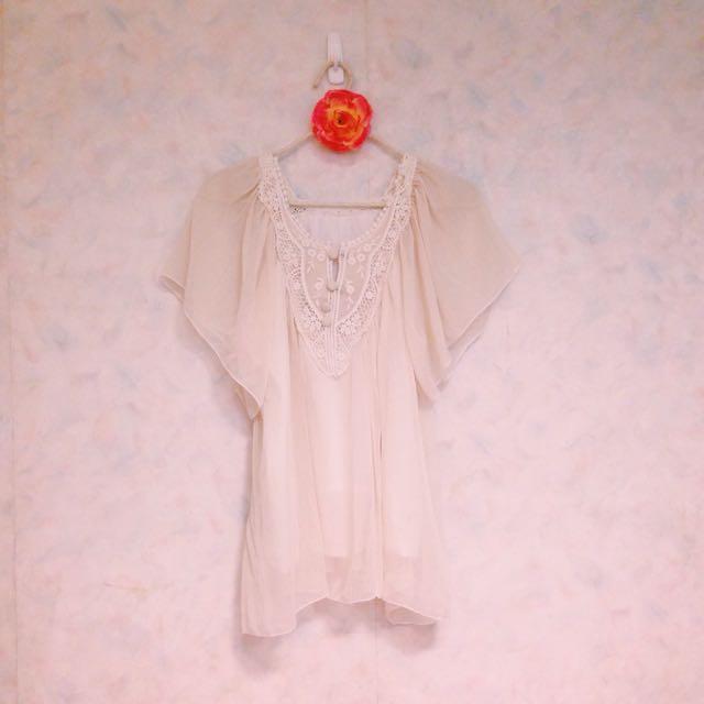 [轉賣]清新少女著米白雪紡衫