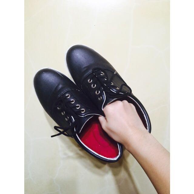 黑色皮質厚底鞋