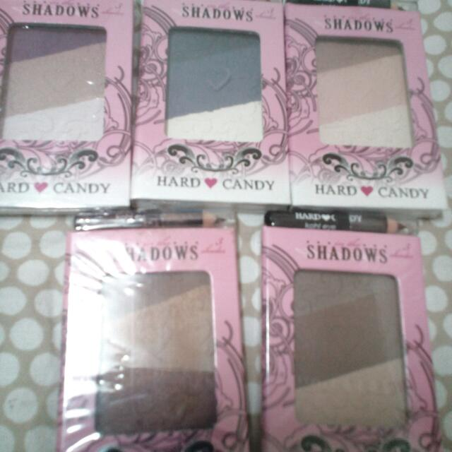 Hard Candy Eyeshadow with free eyeliner - only Php 99.00