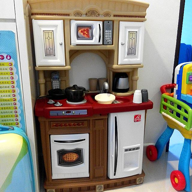 Fisher Price Play Kitchen: Step2 Lifestyle Kitchen (Fisherprice, Little Tikes, Play
