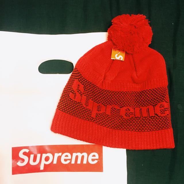 Supreme紅色毛帽