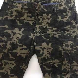River Island 迷彩短褲size 30